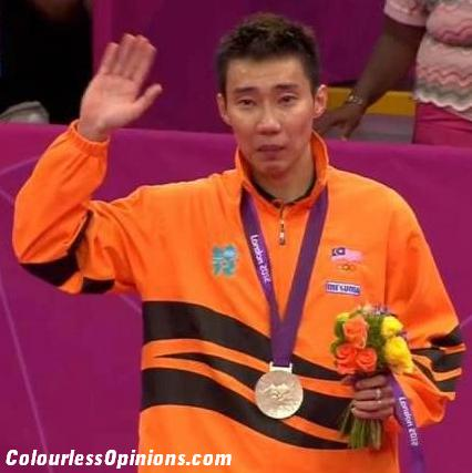 Lee Chong Wei Crying Holding Back the Tears Silver Medal Oympics 2012