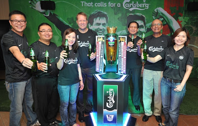 Carlsberg Malaysia directors and senior management team celebrating the launch of Carlsberg's BPL consumer campaign. (From left to right) Kenneth Soh Chee Whye, Gary Tan Sim Huan, Felicia Teh Sook Ching, Henrik Andersen, Dato' Lim Say Chong, Datuk M.R. Gopala Krishnan C.R.K. Pillai, Juliet Yap Swee Hwang.