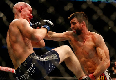 Condit punching Kampmann in UFC Fight Night 27