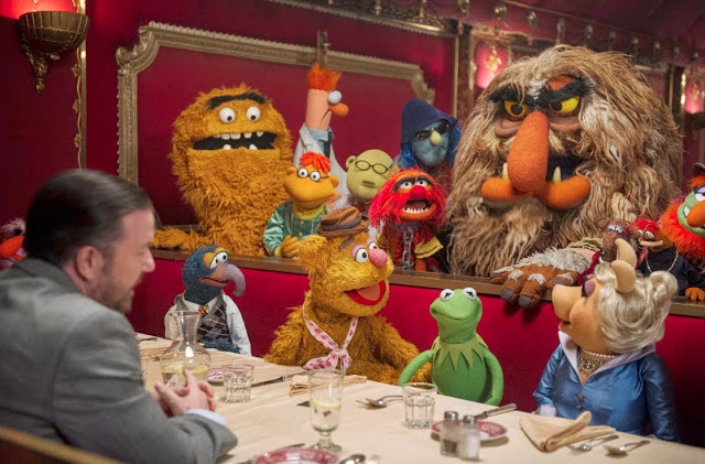 Muppets Most Wanted movie still feat. Ricky Gervais