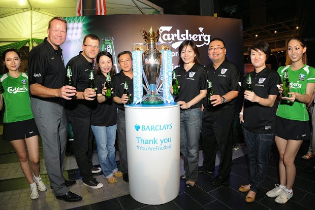 Carlsberg BPL EPL official trophy tour Malaysia 2014 group photo with Henrik Juel Andersen managing director