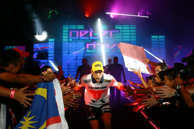 one fc 25 age of champions kl peter davis entrance walk in