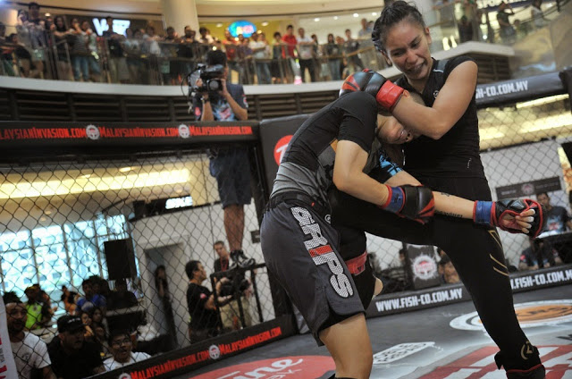 MIMMA3 ladder match women power paradigm