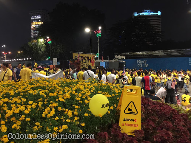 bersih 4 signs yellow flowers balloon