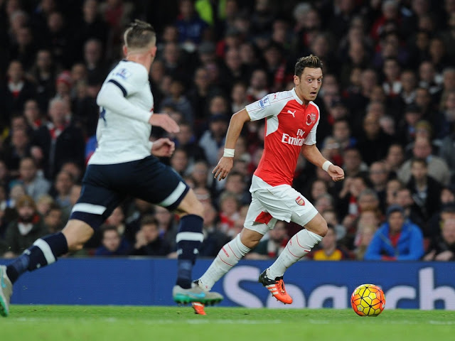 Ozil arsenal spurs 2015