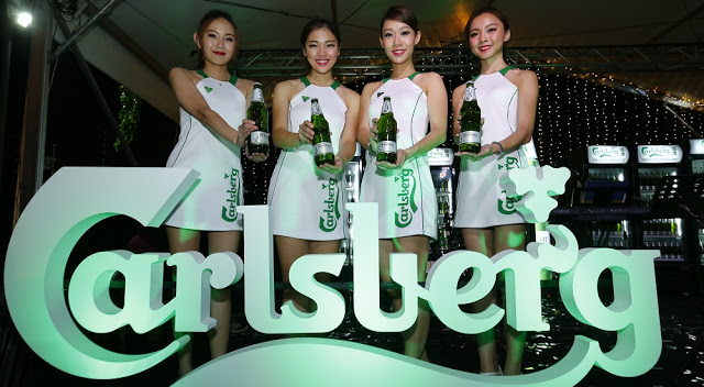 carlsberg smooth draught beer girls malaysia