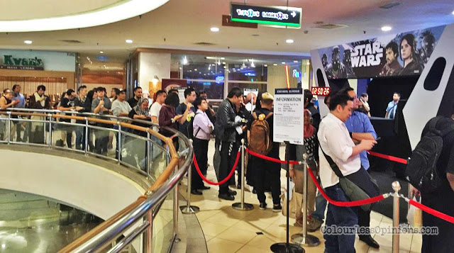 star wars rogue one go rogue malaysia long queue crowd mid valley toys r us