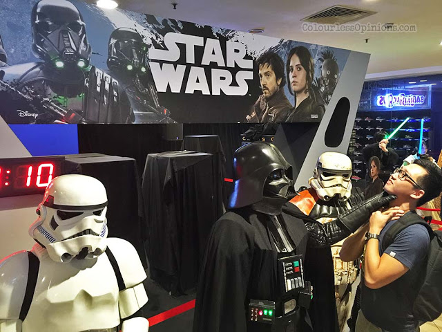 darth vader cosplayer force choke go rogue malaysia